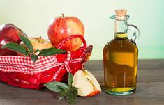 You Can Lose Pounds By Cook With BUT Only If You Use The RIGHT Way, Apple cider vinegar is made by fermenting apple cider. And the benefits of apple cider vinegar for skin, hair and health are many! Here is a list. Apple Cider Vinegar Cellulite, Apple Cider Vinegar Facial, Apple Cider Vinegar Remedies, Apple Cider Vinegar Benefits, Apple Benefits, Diabetic Snacks, Diabetic Recipes, Home Remedies For Pinworms, Apple Cider Vinegar