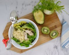 Buddha bowl vert au kiwi Kiwi, Bol Buddha, Crudite, Menu, Fresh Rolls, Avocado Toast, Breakfast, Ethnic Recipes, Food
