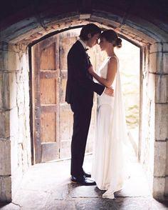 📷 @katiegrantphoto ・・・ 👗@houghtonnyc /// @thebridalatelier /// #weddinginspo #bridal #bride #novios #brideandgroom #boda #deboda #novia