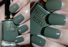 Nilens Jord - 692 (Dusty Green) - Danish Nailpolish Danish, Swatch, Beauty Hacks, Nail Polish, Pretty, Green, Manicure, Beauty Tricks, Vorlage
