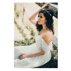Stepping into a fairytale ✨ ��Photographed by @takenbyjocelyn ��Makeup by @makeupbykimberlyk ��Model @melissa_alexandra  #makeup#makeupartist#photographer#bridal#bridalgown#dressdesigner#longisland#photograph#art#newyork#mua#weddingmakeup#ido#bridalmakeup#bridalmakeupartist http://gelinshop.com/ipost/1524923901879324386/?code=BUpnjWZBQ7i