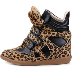 Round Toe Leopard Print Women's Sneakers ❤ liked on Polyvore featuring shoes, sneakers, round toe shoes, leopard print sneakers, leopard print shoes, round cap and leopard sneakers