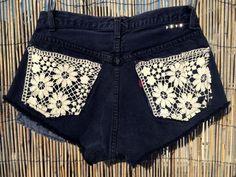 I'm liking the doily pocket idea... should try this (on longer shorts. haha)