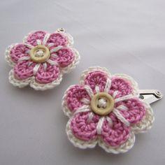 Very sweet crochet flower hair clips