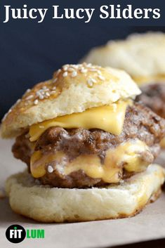 So here is a juicy Lucy sliders recipe for you to try out and satisfy your meat and cheese cravings. These little sliders are extremely flavorful and require a minimum amount of effort to cook. Juicy Lucy, Chicken Sliders, Slider Buns, Healthy Food, Healthy Recipes, Slider Recipes, Meat And Cheese, Game Day Food, Melted Cheese