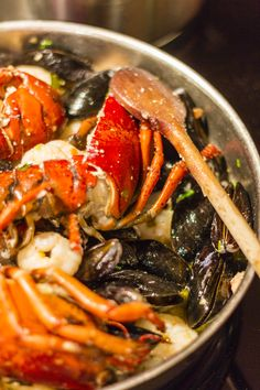 Portuguese Seafood Rice Recipe by Nelsoncarvalheiro.com ~ #Portugal #portuguese_food