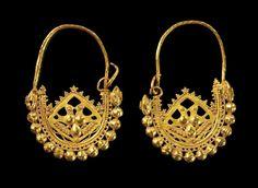 Gold earrings, Byzantine, 6th-7th century AD, 11.7 g. 4.5 cm