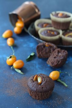 Muffin aquafaba kumquat e cacao amaro - Papilla Monella Aquafaba Recipes, Sweet Recipes, Vegan Recipes, Tasty, Yummy Food, Chocolate Treats, Vegan Sweets, Sweet And Salty, Healthy Treats