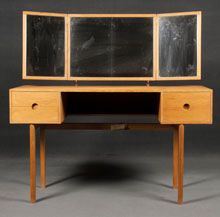 Dressing table made of oak with 3 folding mirrors