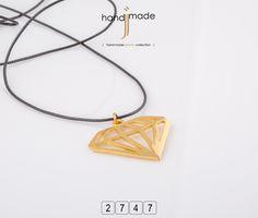 Μακρύ κολιέ με δερμάτινο κορδόνι και χρυσό διακοσμητικό. Women's Necklaces, Gold Necklace, Pendant Necklace, Handmade Jewelry, Accessories, Fashion, Moda, Gold Pendant Necklace, Necklaces For Women