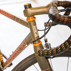 This bar tape on this red hot @thevanillaworkshop #speedvagen : @jeffcurtes build: @skunkworks_bikes
