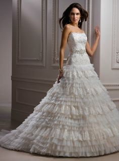 Sophie's Gown Shoppe - Mississauga Location - SKU#: J1462 Aiden Our Price: $2100.00 Sale Price: $899.00  Ivory, Size 8