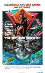 La espía que me amó (1977). Director: Lewis Gilbert. Sinopsis: La misteriosa desaparición de dos submarinos nucleares exige la colaboración de los mejores agentes de los servicios secretos británico y soviético: James Bond y la mayor Amasova. Detrás de todo se encuentra el magnate Stromberg, que se propone destruir a la humanidad para fundar una nueva civilización bajo el mar. Ver en el catálogo: http://cisne.sim.ucm.es/record=b2349739~S6*spi