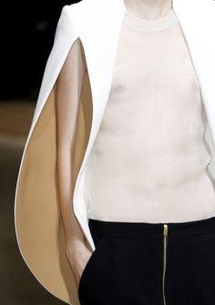 Необычные рукава и плечи нарядной одежды