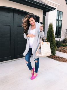 DIY maternity pictures pregnancy outfits clothes - Pregnacy and moms Stylish Maternity, Maternity Wear, Maternity Fashion, Stylish Pregnancy, Pregnancy Fashion, Winter Pregnancy Outfits, Shower Outfits, Pregnancy Wardrobe, Bump Style