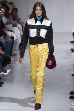 CALVIN KLEIN 205W39NYC Spring 2018 Ready-to-Wear Fashion Show 68577af653
