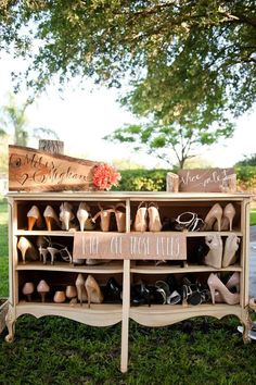 We love this clever and practical use of a vintage dresser as a shoe valet. Credit: theeverlastingdetail.com #reception #vintageweddings #vintagedressers