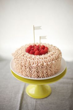 rsapberry buttercream cake // coco cake land