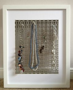 Jewelry display made out of a radiator screen! Diy Home Crafts, Arts And Crafts, Radiator Screen, Diy Jewelry Hanger, Earring Storage, Jewelry Organization, Organization Ideas, Jewellery Display, Challenge Accepted