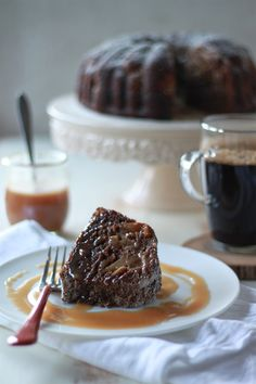 Vegan Gingerbread Pear Bundt Cake with Caramel Sauce (and a $250 @mightynest giveaway!)