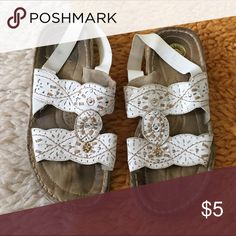 Earth trek sandals Cute white sandals used but still useable earth trek Shoes Sandals