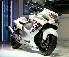 Wow my dream bike-Suzuki hayabusa! Street Motorcycles, Street Bikes, Custom Motorcycles, Motorcycles For Sale, Custom Baggers, Triumph Motorcycles, Hyabusa Motorcycle, Suzuki Motorcycle, Moto Bike