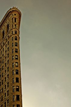 'In the Neighborhood' Flatiron Building, 23rd Street, New York. Photo by CiaoChessa on flickr.