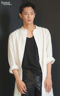 Lee Shin, Michael Johnson, Bomber Jacket, Normcore, Korean Guys, Kdrama Actors, Hyun Bin, Young Actors, Asian Boys