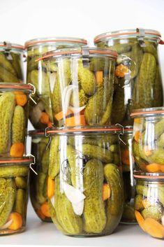 Babiččiny nakládané okurky - eZavařování.cz Pickles, Cucumber, Pantry, Cooking, Recipes, Sauces, Roast Beef, Pantry Room, Kitchen