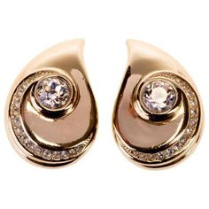 Preowned Dior 'teardrop' Earrings (7,360 MXN) ❤ liked on Polyvore featuring jewelry, earrings, beige, pre owned jewelry, teardrop earrings, preowned jewelry, tear drop earrings and clear earrings
