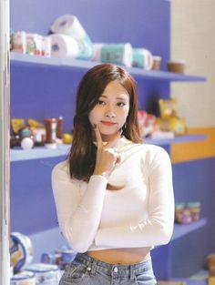 Twice Tzuyu Merry&Happy Nayeon, Kpop Girl Groups, Korean Girl Groups, Kpop Girls, J Pop, Signal Twice, Twice Tzuyu, Twice Photoshoot, Sana Momo