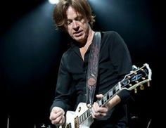 Dominic Miller on GuitarTube