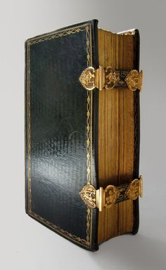 Golden clasps by Andreas Suyk, Amsterdam (1740/1807) on Book of Psalms - 1778
