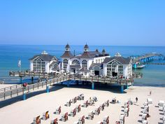 Sellin Pier at the Baltic seaside resort of Sellin on the island of Rugen, Germany.                                                                                                                                                     Mehr