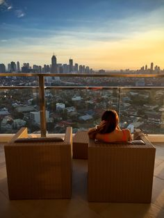 VERONA ROOFTOP LOUNGE: A SUNSET VIEW IN MANDALUYONG WORTH THE VISIT Rooftop Lounge, Manila, Verona, Restaurants, Sunset, Italy, Rice, Restaurant, Sunsets