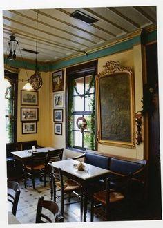 Το καφεμεζεδοπωλείο «Ερμής» στη Μυτιλήνη που λειτουργεί από τις αρχές του προηγούμενου αιώνα