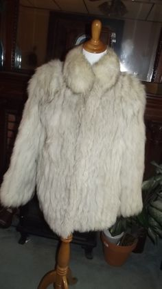 Beautiful 80s Saga Norwegian Fox Fur Jacket Coat - http://www.fur.me.uk/beautiful-80s-saga-norwegian-fox-fur-jacket-coat.html