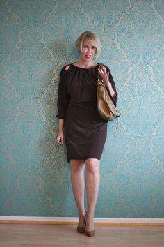 A fashion blog for women over 40 and mature women http://www.glamupyourlifestyle.com/  Dress: Dorothee Schumacher Shoes: Boss Bag: Chloé