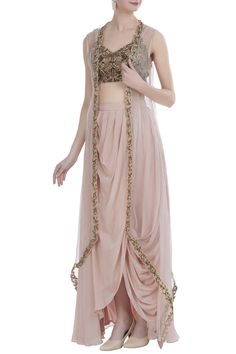 Buy Embroidered blouse with cape & draped skirt by Nitika Kanodia Gupta at Aza Fashions Indian Designer Outfits, Indian Outfits, Designer Dresses, Indian Wedding Gowns, Indian Gowns Dresses, Mehendi Outfits, Bridal Outfits, Look Fashion, Indian Fashion