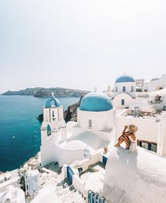"LAUREN BULLEN az Instagramon: ""Missing these Santorini views, but pretty excited…"