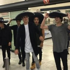 CNCO arrived to Mexico!!! Twenty One Pilots, Cnco Band, Cnco Richard, Just Pretend, Ricky Martin, Latin Music, With All My Heart, Sweet Memories, Funny Me