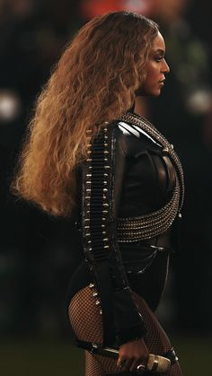 make way for the Queen. Beyonce Knowles Carter, Beyonce And Jay Z, Destiny's Child, Johny Depp, Beyonce Style, Elisabeth Ii, Queen B, Female Singers, Swagg