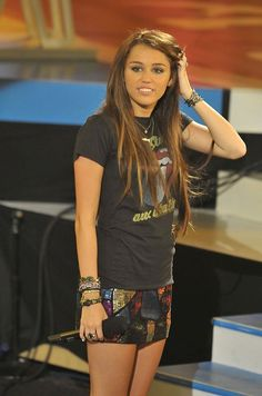 Miley ... I loved her hair like this