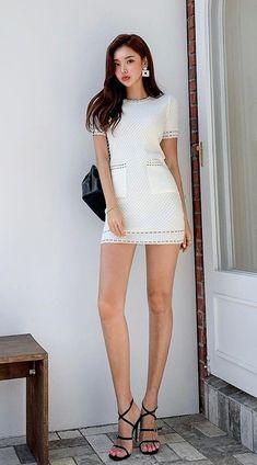 Beautiful Asian Women, Beautiful Legs, Modern Aprons, Satin Skirt, Stylish Tops, Asian Fashion, Asian Woman, Beauty Women, Asian Beauty