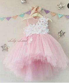 Girly Girl Outfits, Dresses Kids Girl, Kids Outfits, Flower Girl Dresses, Little Girl Fashion, Kids Fashion, Baby Dress Tutorials, Dress Anak, Kids Frocks