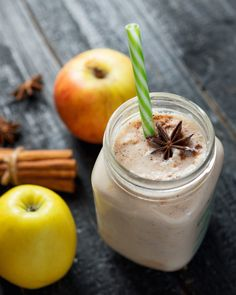 5 batidos de avena fáciles y rápidos Smoothie Diet, Smoothie Recipes, All Body Workout, Natural Detox Drinks, Fat Burning Detox Drinks, Oatmeal Smoothies, Healthy Shakes, Deli, Food And Drink