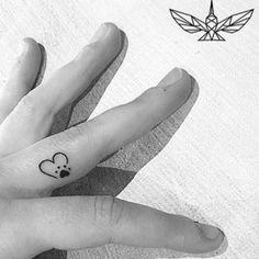 Tattoodo - Search tattoos, tattoo styles, tattoo artists and tattoo shops! Small Dog Tattoos, Memorial Tattoos Small, Tiny Tattoos For Girls, Mini Tattoos, Cute Tattoos, Tatoos, Tattoos Skull, Sleeve Tattoos, Tattoo Ink