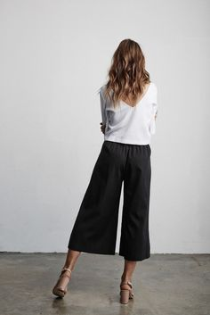 Vetta Capsule SS16 The Blouse w/ the Culottes #vettacapsule #ss16 #capsulewardrobe Can't wait to get mine in black next month!