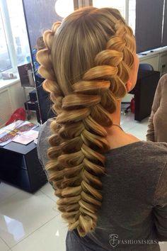 5 Pretty Braided Hairstyles for Summer: Mermaid Dutch Braids  #braids #braidedhairstyles #hairstyles