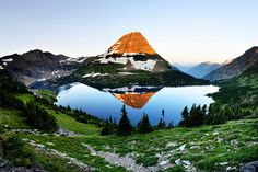 Panoramic of Hidden Lake in Glacier National Park.- Photo by Chung Hu. .
